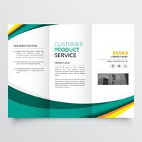 modelo de design elegante com três dobras brochura