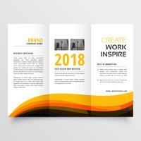 laranja e preto ondulado com três dobras brochura de negócios folheto conceito de