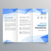 blauwe driehoek vorm driebladige brochure ontwerpsjabloon