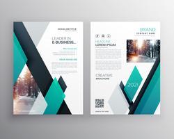 Diseño de portada de diseño de plantilla de folleto azul para informe anual en