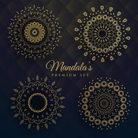 ensemble de quatre dessins de manadala