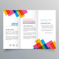 modello di lay-up brochure a tre facce colorate per y