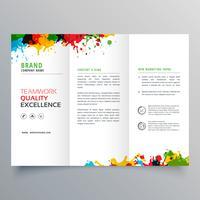 design di brochure a tre ante con splatter di inchiostro colorato