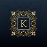 klassischer Blumenmonogrammentwurf für Logo des Buchstaben K