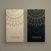 Diseño de tarjeta mandala con decoración ornamental en color dorado.