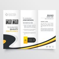 modelo de design elegante brilhante com três dobras brochura