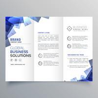 élégante brochure à trois volets avec des formes abstraites bleues