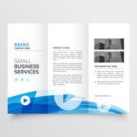 driebladig ontwerp met abstracte blauwe golf
