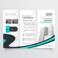 modelo de apresentação de design elegante brochura com três dobras