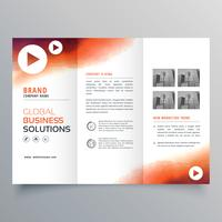 modelo de folheto de negócios com três dobras elegante feito com tinta laranja