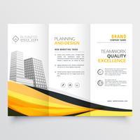 modelo de design de brochura com três faixas de onda amarelo elegante para seus bu