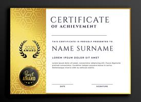 Diseño de plantilla de certificado con patrón de lujo dorado.
