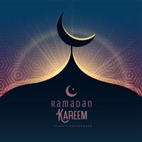 Saludo festivo de Ramadán Kareem con la parte superior de la mezquita y Mo creciente
