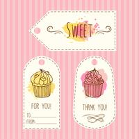 Tags met cupcake illustratie. Vector hand getrokken labes set aquarel spatten.