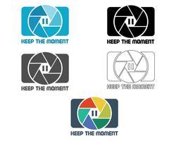 Sluiter pictogram of logo ontwerpsjabloon. Camera- en lensbadge. Houd het momentthema. Geïsoleerd op witte achtergrond Simpel ontwerp. Vector