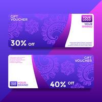 Vecteur de modèles de bon de carte-cadeau Batik violet