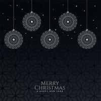 lindas bolas decorativas de Natal em fundo preto