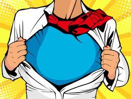 Pop art superhéroe femenina. La mujer atractiva joven vestida en la chaqueta blanca muestra la camiseta del super héroe. Ilustración del vector en estilo cómico retro del arte pop.