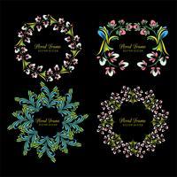 Decoratief kleurrijk decoratief bloemenkader vastgesteld ontwerp