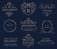 Emblemas de ornamento vintage floreio