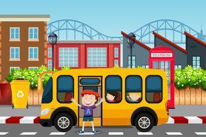 Rapaz infront de cena de ônibus escolar vetor