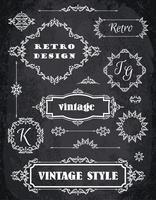 Conjunto de emblemas Vintage retrô, quadros, etiquetas e bordas. Fundo de quadro de giz