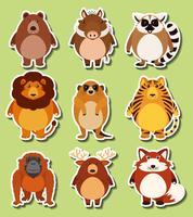 Diseño de etiqueta con animales salvajes.