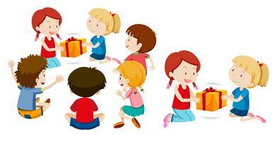 Enfants donnant un preset sur fond blanc