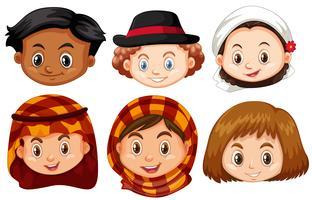 Diferentes rostros de niños de diferentes países. vector