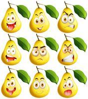 Frische Birne mit Gesichtsausdrücken