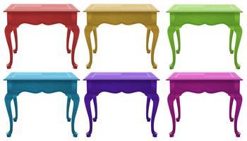 Kleurrijke houten tafels