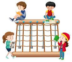 Crianças, leitura, um, pátio recreio