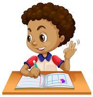 Menino jovem, estudar, escrivaninha