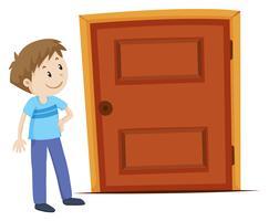 Mens die de deur bekijkt
