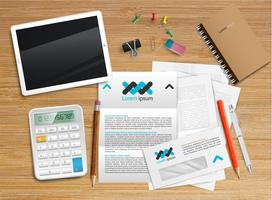 Mesa de escritório realista com objetos diferentes, ilustração vetorial