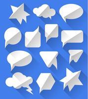 Burbujas de discurso blanco vacío en blanco