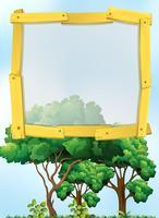 Rahmendesign mit Bäumen im Hintergrund
