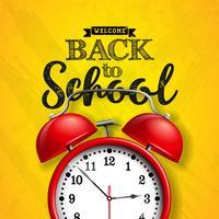 Torna a scuola design con sveglia rossa e tipografia su sfondo giallo. Illustrazione vettoriale per biglietto di auguri, banner, flyer, invito, brochure o poster promozionale.