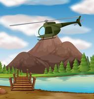 Hubschrauber fliegt über den Fluss