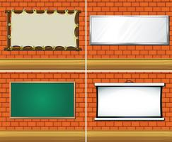 Vier verschiedene Arten von Boards an der Wand