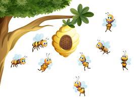 Un árbol con una colmena rodeada de abejas.