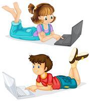 Crianças, usando, laptop, branco, fundo