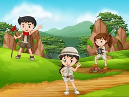 Camping crianças na natureza
