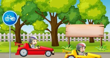 Parque de escena con coche de carreras infantil.