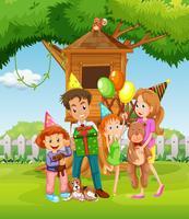 Famiglia divertendosi nel cortile