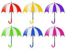 Seis paraguas en diferentes colores.