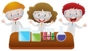 Drie kinderen in het wetenschappelijk laboratorium