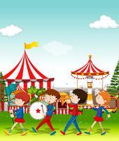 Banda tocando en el circo