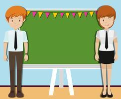Man en vrouw voor schoolbord