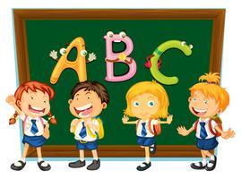 Skolbarn och svarta tavlan